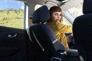 H νέα Ambassador του Renault KADJAR είναι η Liv και είναι ψηφιακή! - Cars